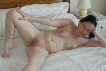 Adopte une femme infidèle sexy dispo pour vous
