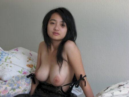 Asiatique réellement motivée recherche un homme original
