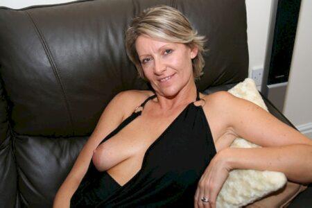 Chienne sexy réellement sexy recherche un homme sérieux