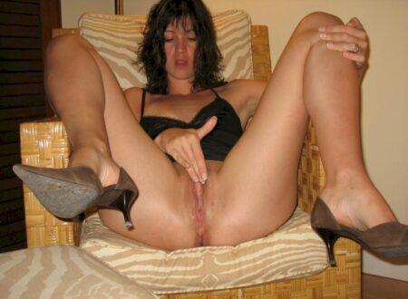 Femme infidèle sexy cherche un amant pour un plan sexe