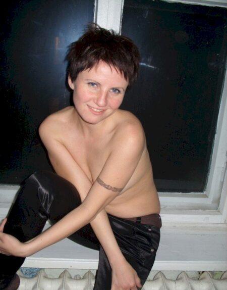 femme libertine soumise pour gars expérimenté libre