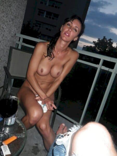 Libertine sexy soumise pour homme séduisant fréquemment libre