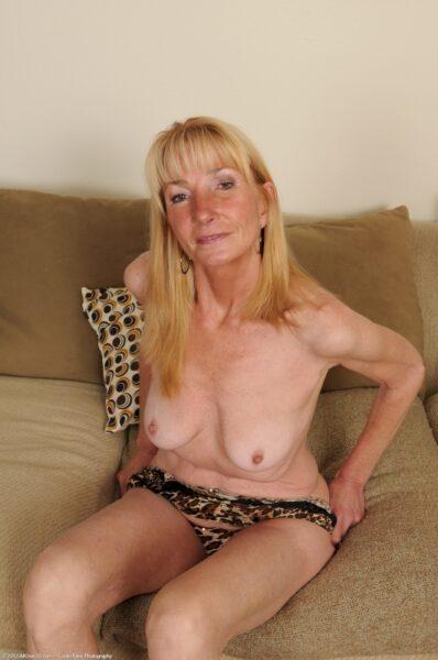 Vieille cougar réellement motivée recherche un homme clean